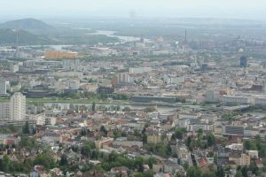 Analysis of the governance of five metropolitan areas in Europe (2017)